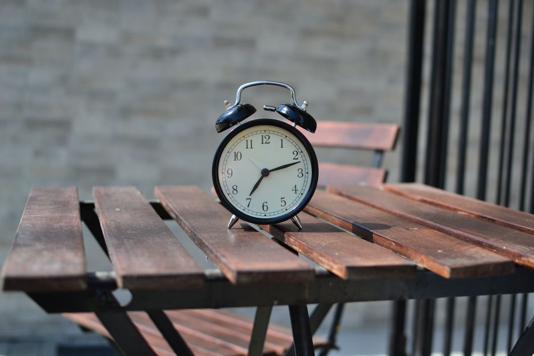 Alarm clock clock time table