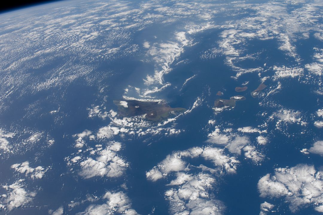 ISS030-E-019058 (29 Dec. 2011) --- One of the Expedition 30 crew members aboard the International Space Station captured this image of the Hawaiian Island chain on Dec. 29, 2011.  The Big Island of Hawaii is easily delineated at the center of the frame.