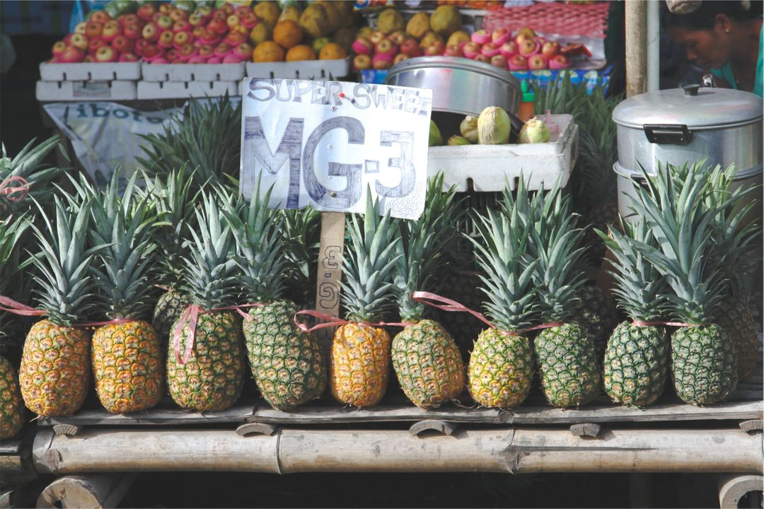 Pineapples fruits market