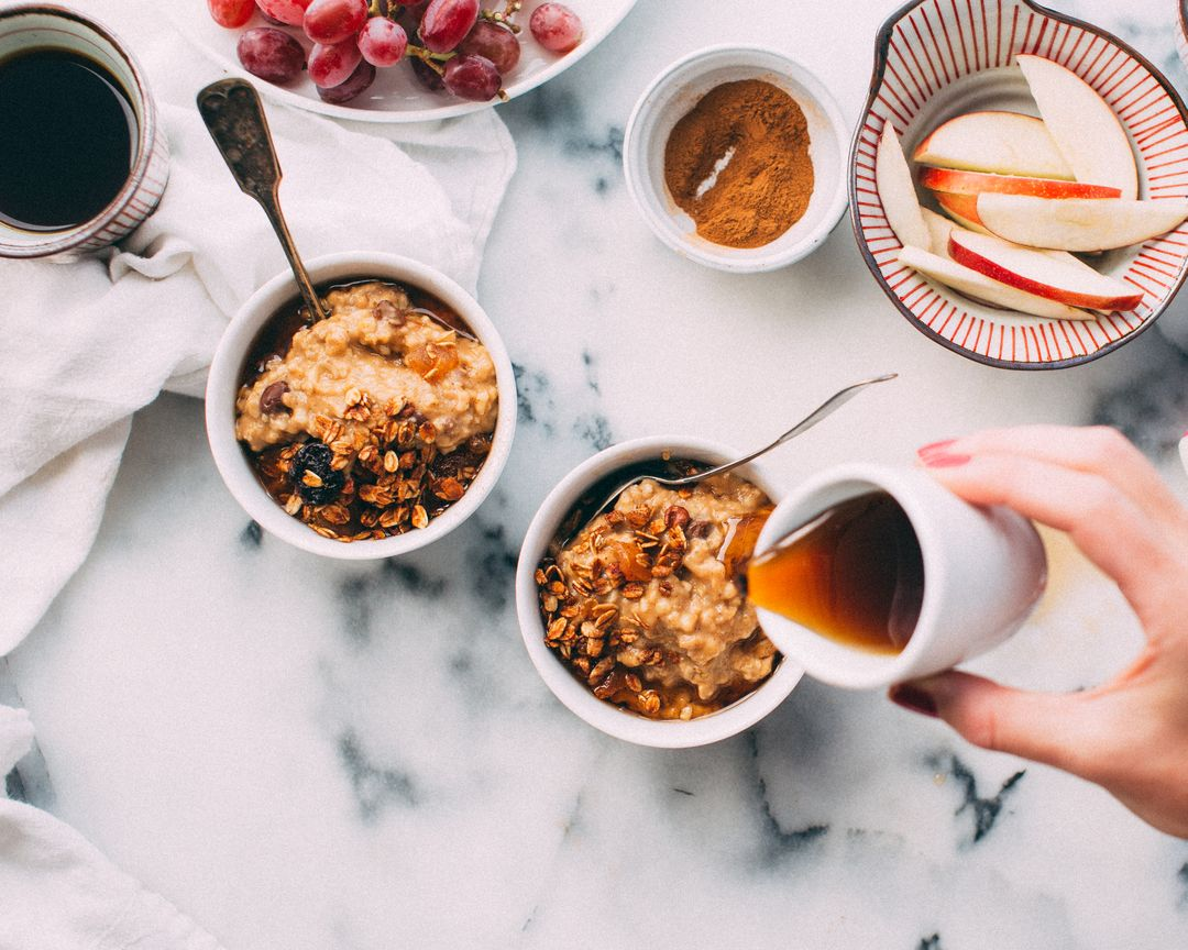 How To Start A Food Blog - granola honey overnight oats pour