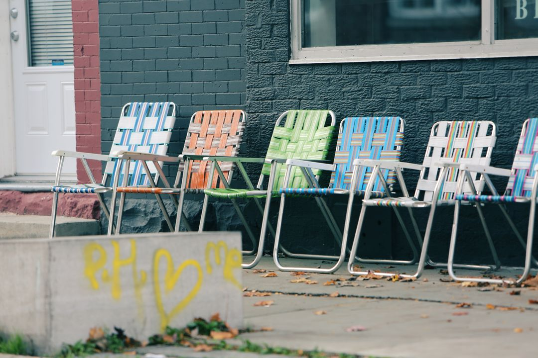 Lawn chairs graffiti paint