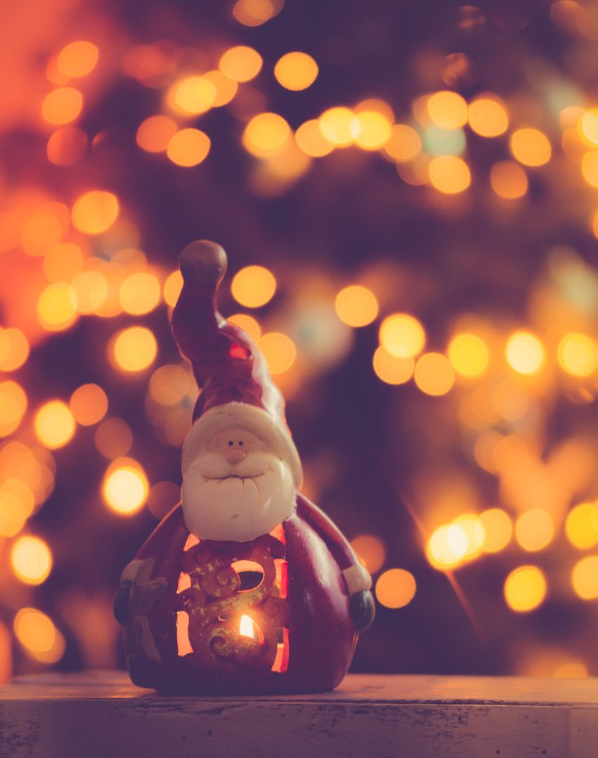 Santa Decoration Bokeh Free Photo