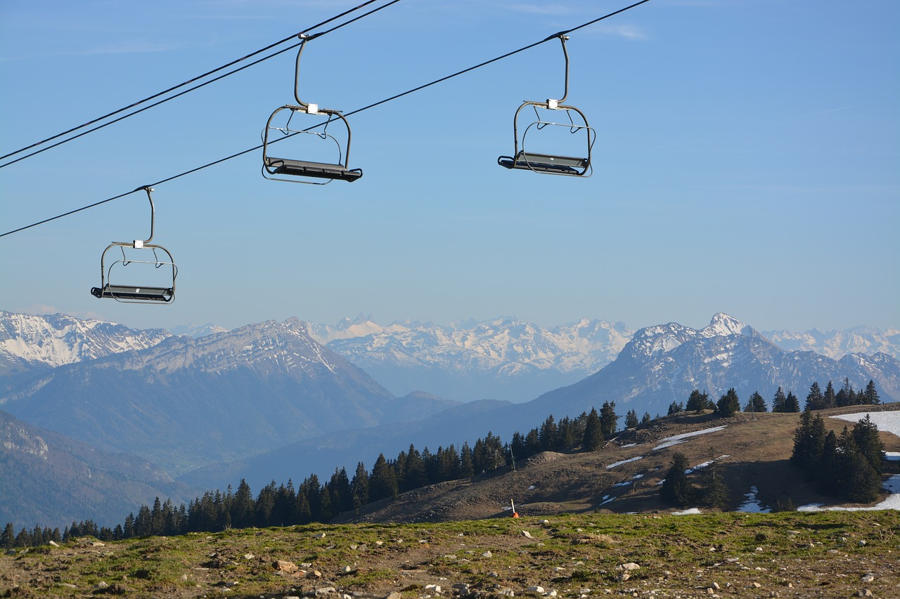 FREE chairlift Stock Photos from PikWizard