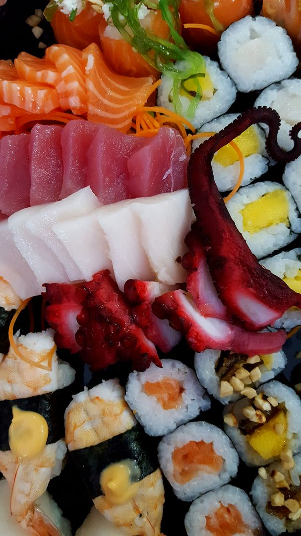 How To Start A Food Blog - sushi