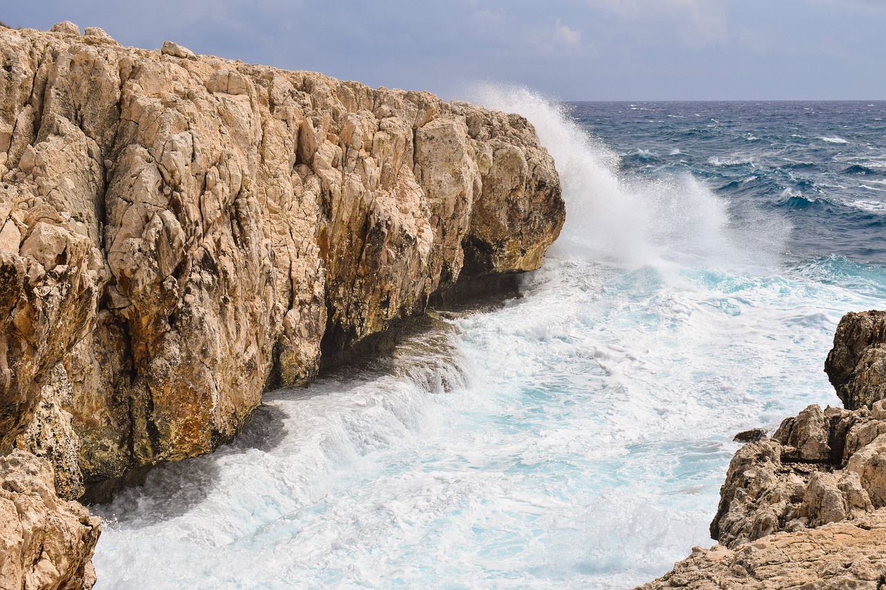 FREE sea Stock Photos from PikWizard