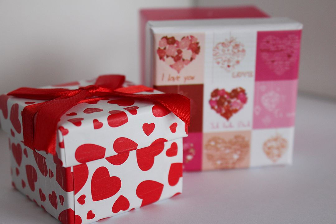 Gift gift box give love