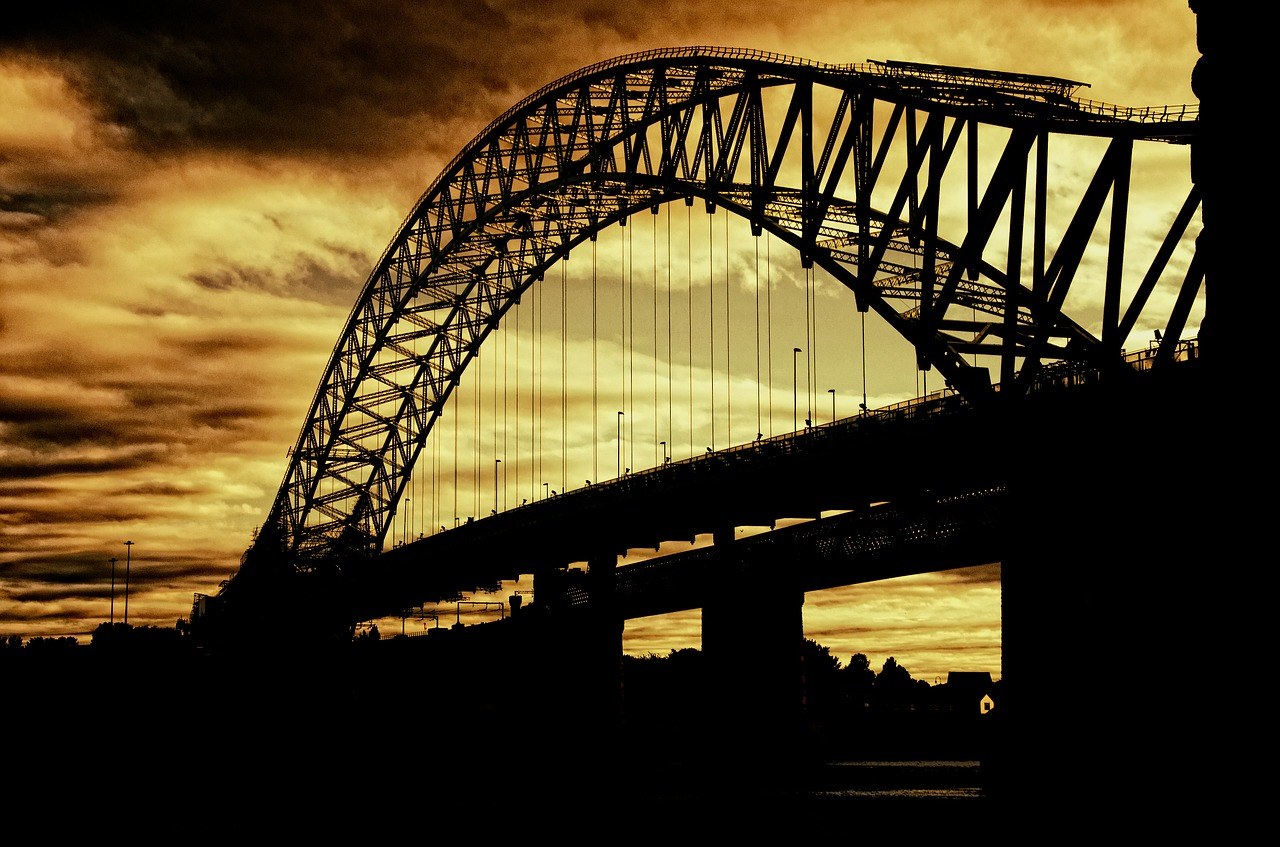 FREE steel arch bridge Stock Photos from PikWizard
