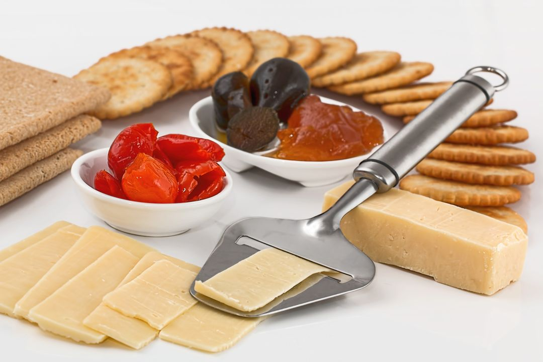 How To Start A Food Blog - cheese board crackers