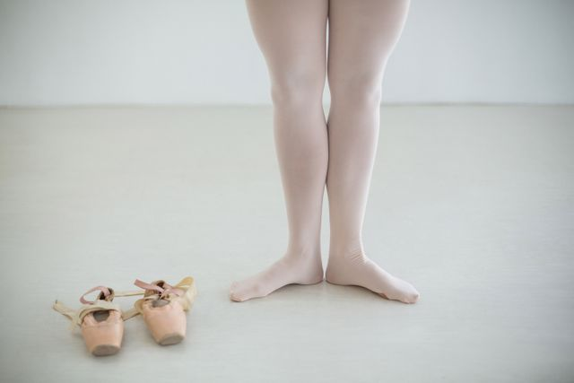 Ballerinas feet with ballet shoes