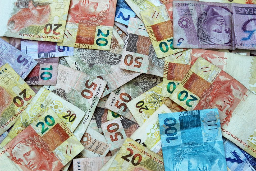 100 real ballots brazil brazilian currency Free Stock Images from PikWizard