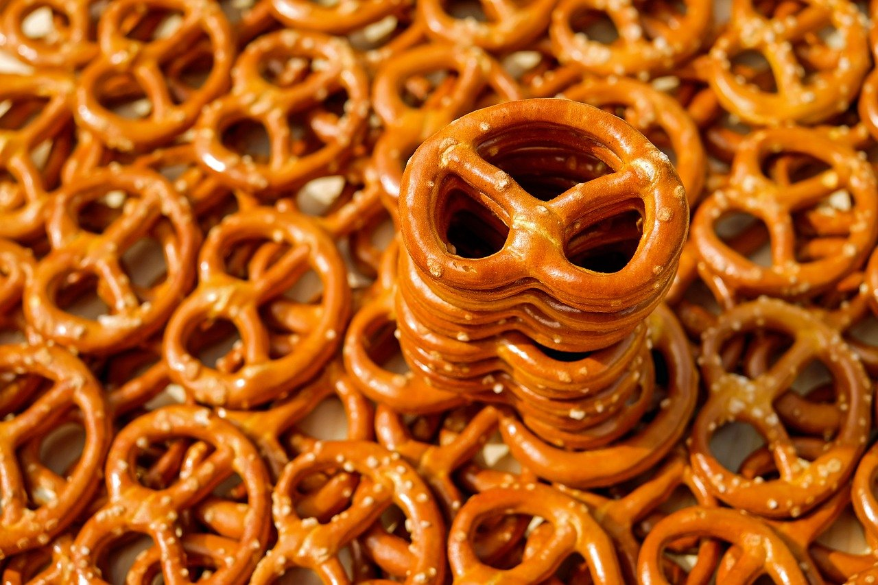FREE pretzel Stock Photos from PikWizard