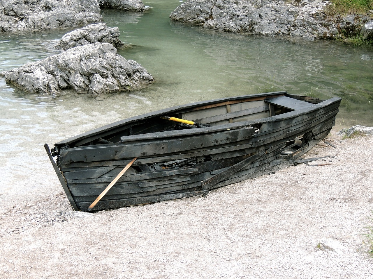 FREE boat Stock Photos from PikWizard