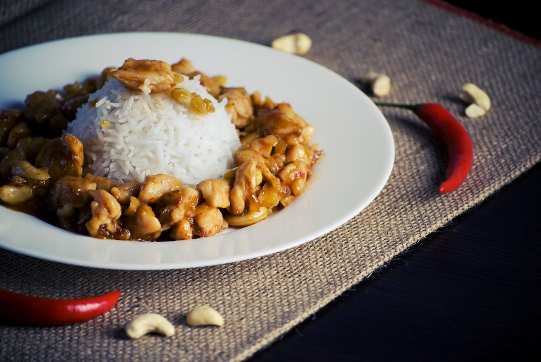Rice with chicken and cashew nut