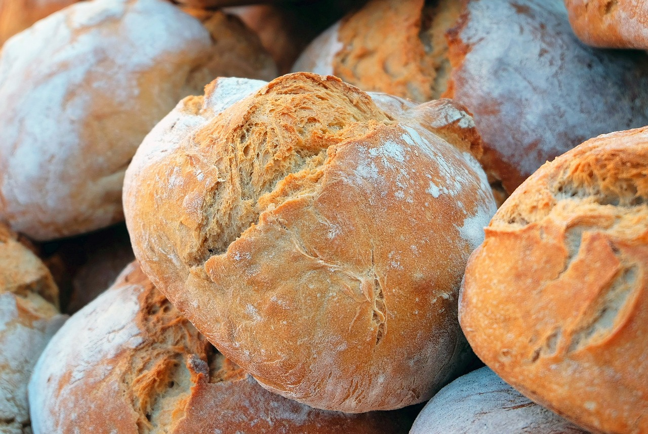 FREE bread Stock Photos from PikWizard