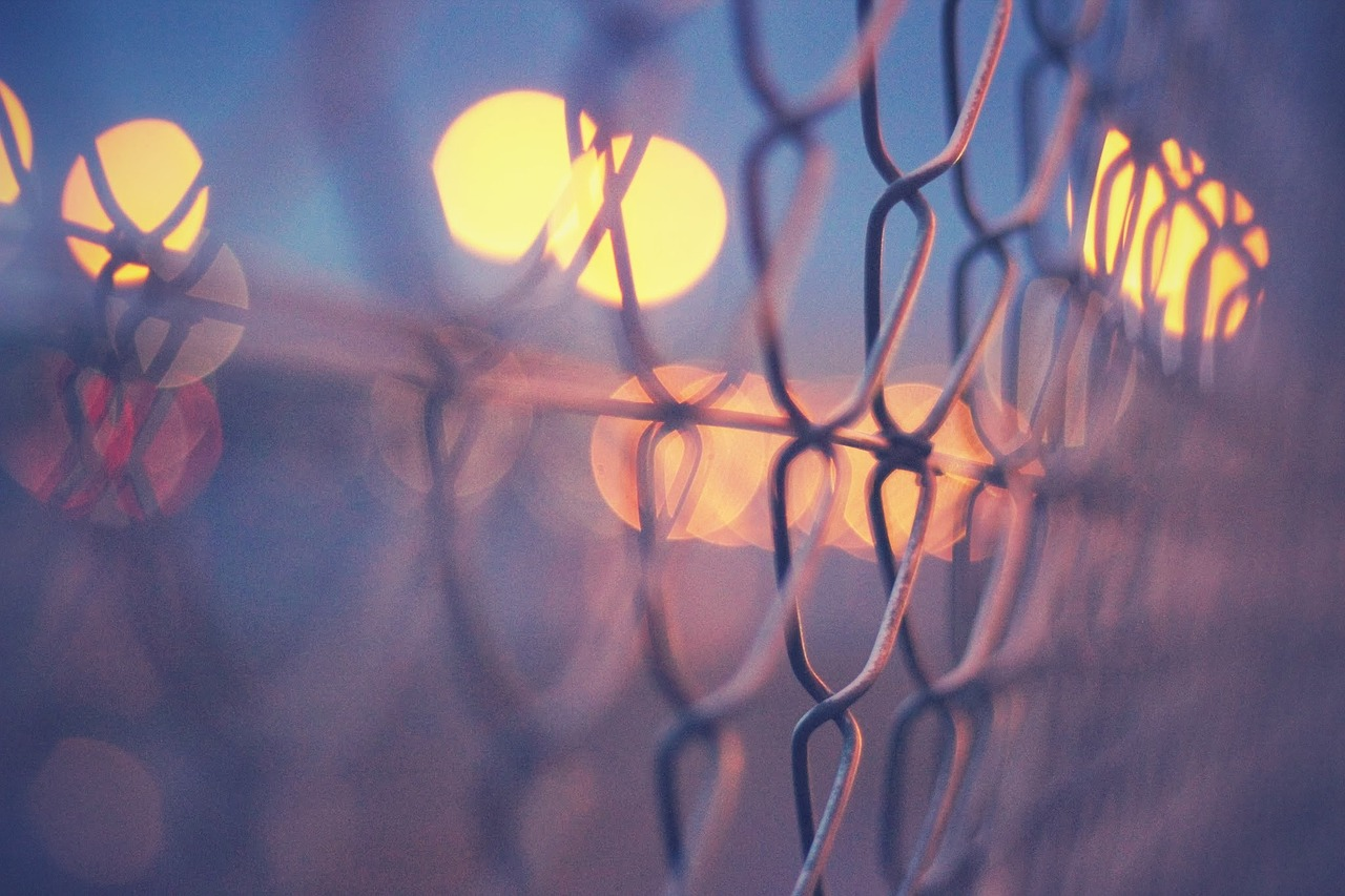 FREE fence Stock Photos from PikWizard