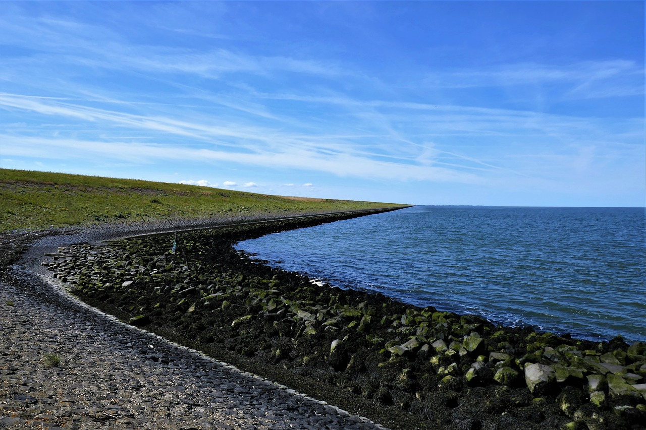 FREE breakwater Stock Photos from PikWizard