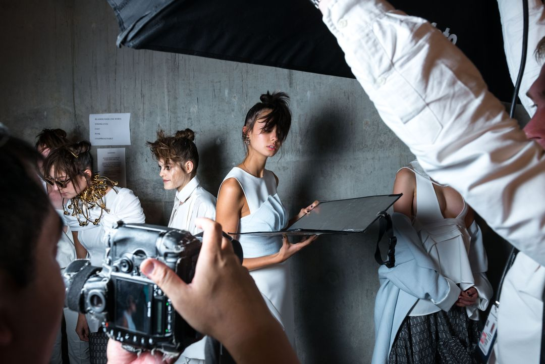 Image 4 How To Start A Fashion Blog - Models during fashion shooting.