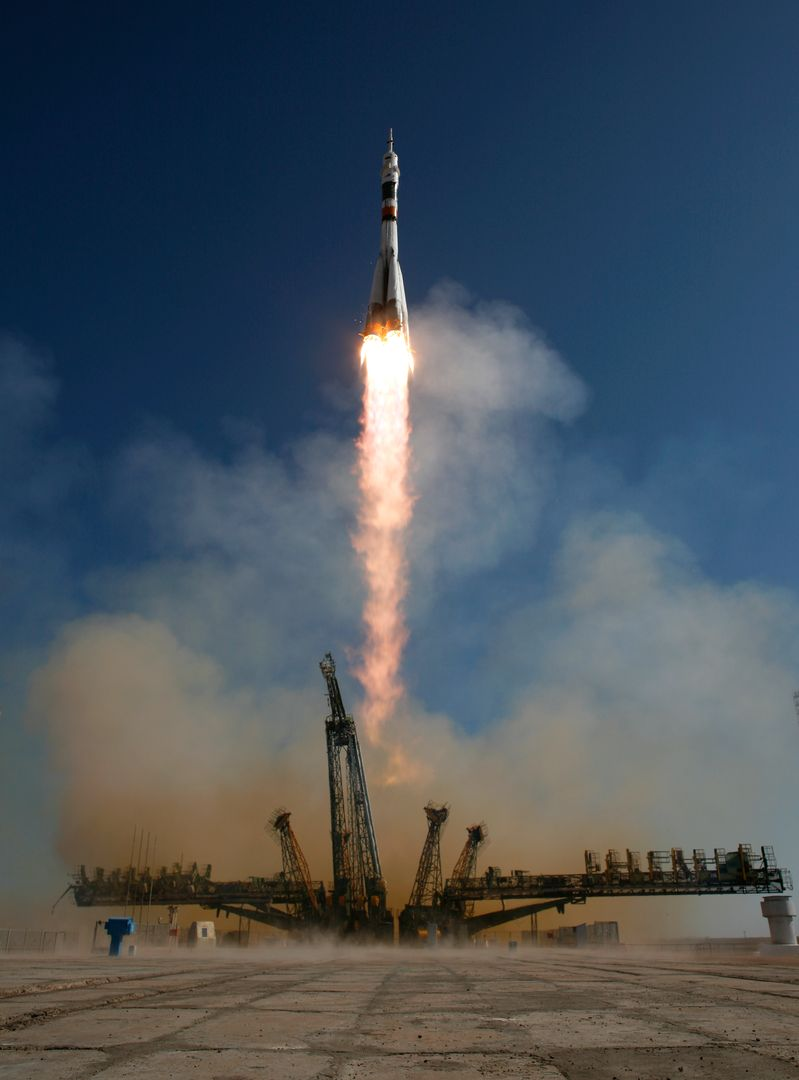 Expedition 21 Launches