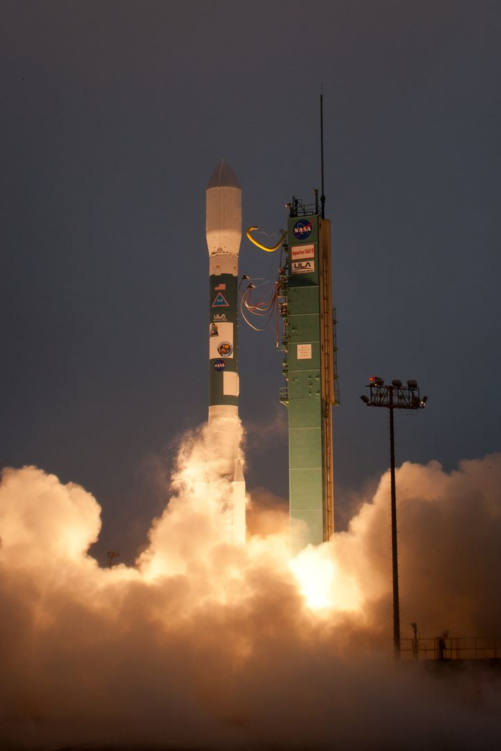 A Delta II rocket launches with the Aquarius/SAC-D spacecraft payload from Space Launch Complex 2 at Vandenberg Air Force Base, Calif. on Friday, June 10, 2011.   The joint U.S./Argentinian Aquarius/Satélite de Aplicaciones Científicas (SAC)-D mission will map the salinity at the ocean surface, information critical to improving our understanding of two major components of Earth's climate system: the water cycle and ocean circulation. Photo Credit: (NASA/Bill Ingalls)