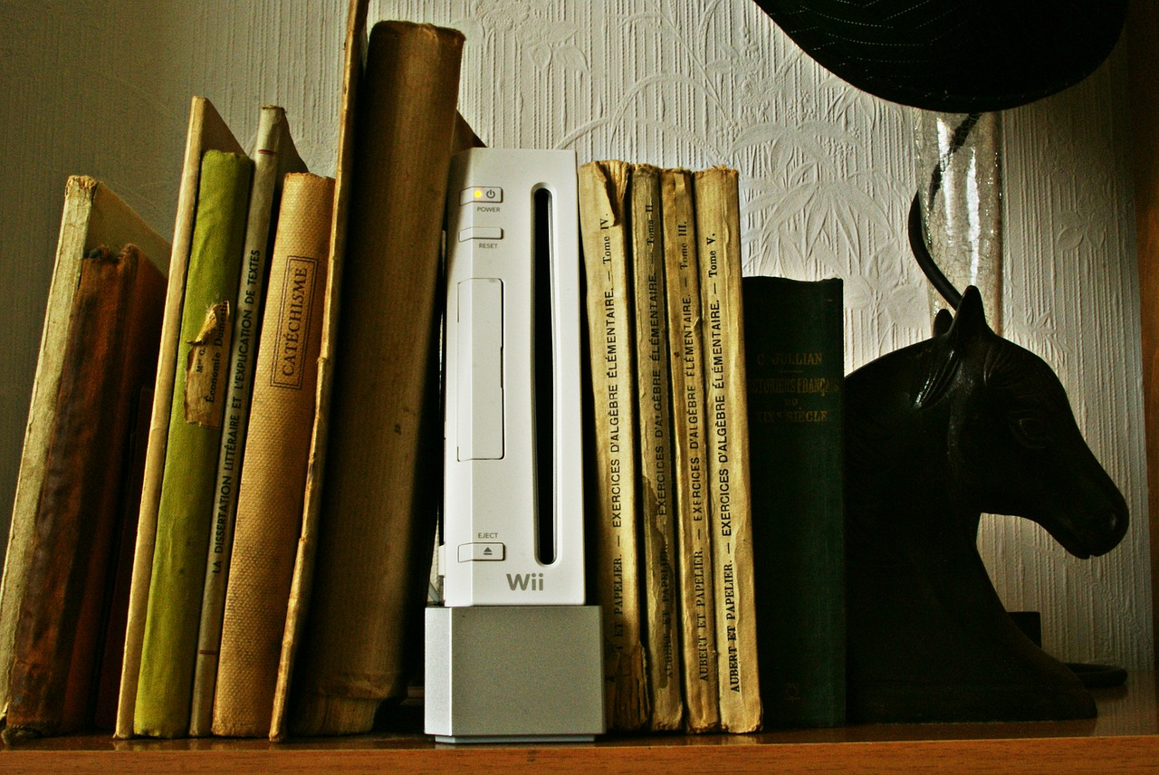 FREE bookend image