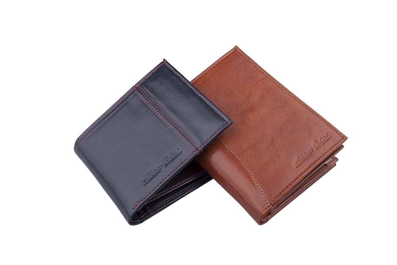 FREE wallet Stock Photos from PikWizard