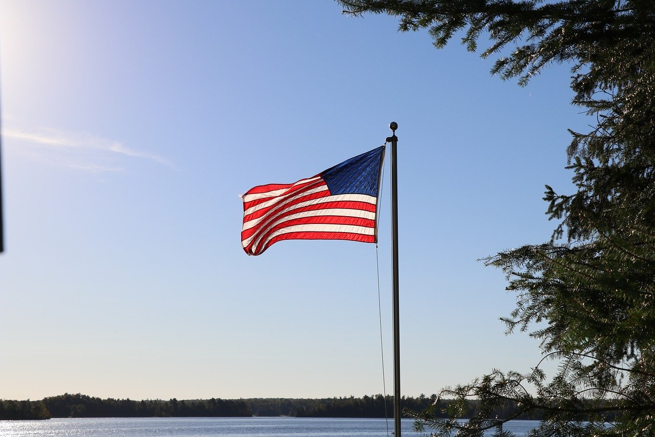 FREE flagpole Stock Photos from PikWizard