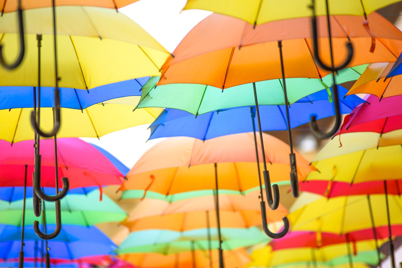 FREE umbrella Stock Photos from PikWizard