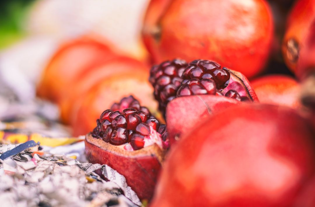 Pomegranate Berry Edible fruit
