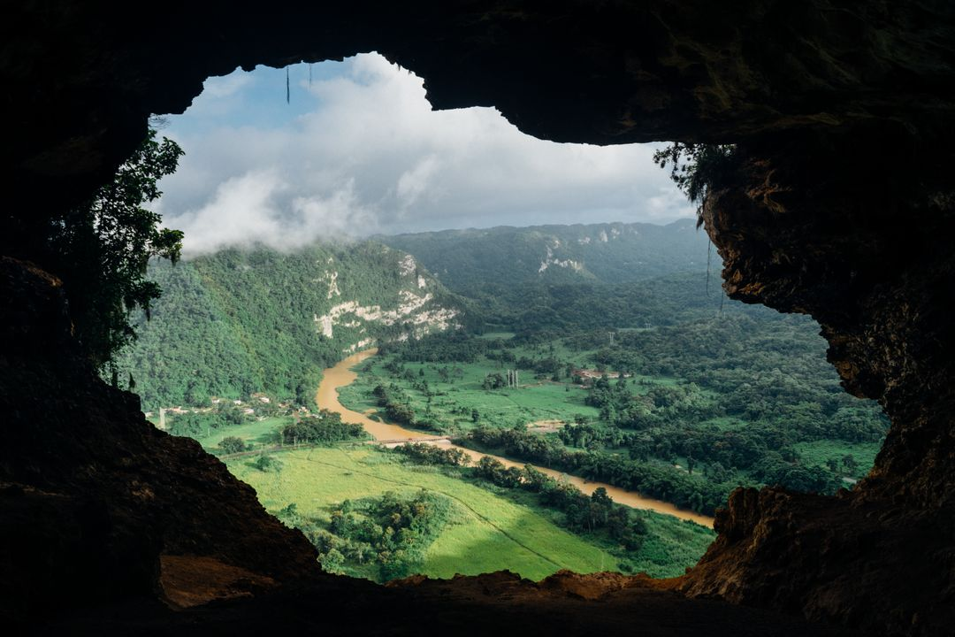 Cave lookout nature